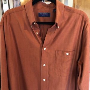 Roundtree and Yorke men's shirt. Large.